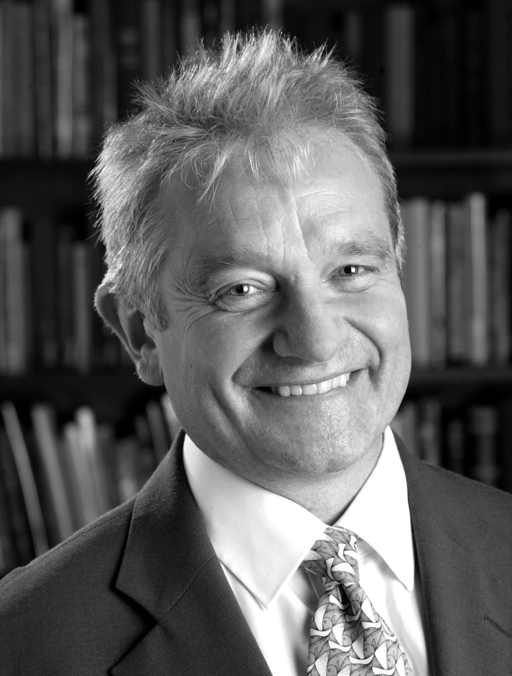 """Photograph of Sir Paul Nurse. Featured in Nurse's """"What is Life"""" in the Examined Life Library."""